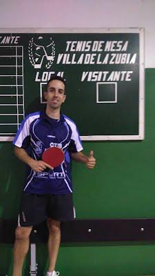 Cesar Martín ya luce la camiseta del Bola de Partido La Zubia